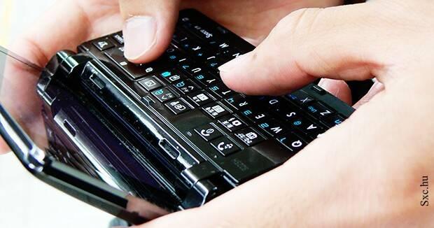 Ujatoba_smartphone_celular