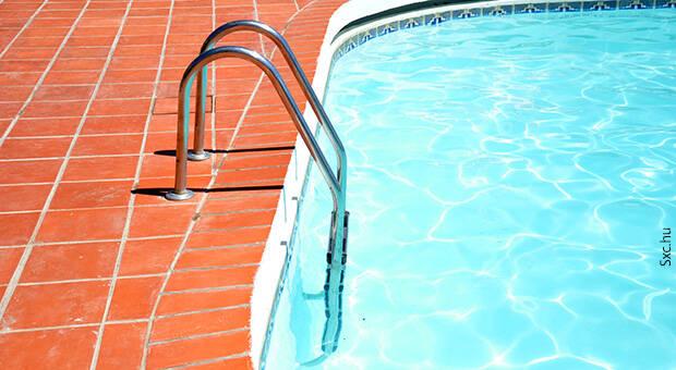 Ujatoba_piscina