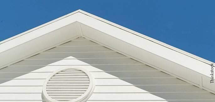 Ujatoba-Casa-branca-telhado-branco-Thinkstock