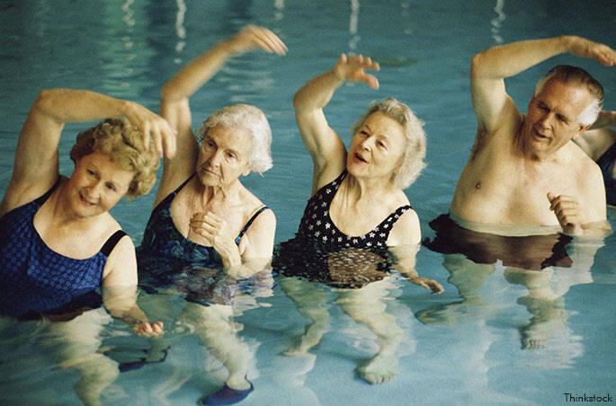 Resultado de imagem para idosos praticando esportes