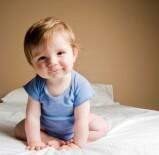 2 – Colocar o bebê para tomar sol sem fralda previne assaduras