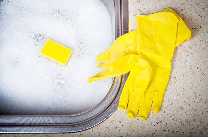 3. Use água com sabão neutro