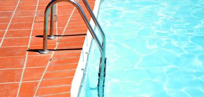Ujatoba_piscina-slider